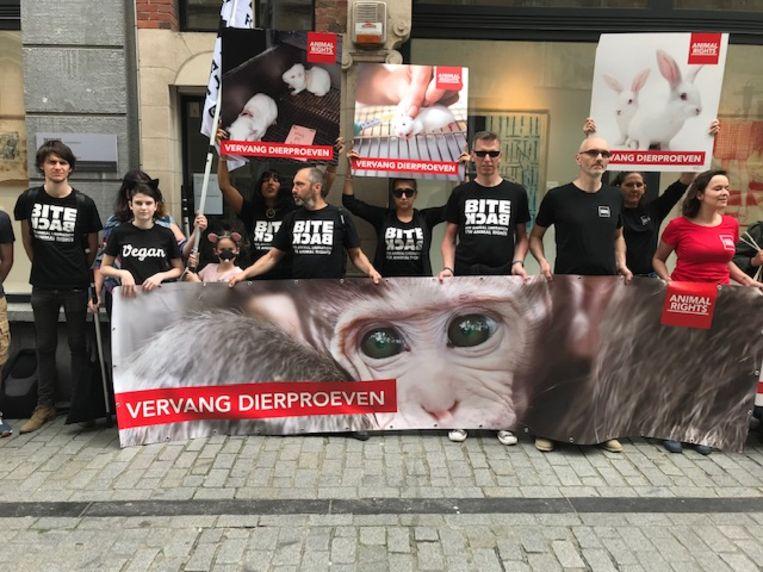 Animal Rights voert actie tegen dierproeven aan de KU Leuven.