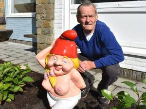 """Blote tuinkabouter Betty ging de wereld rond: """"Al dat volk dat hier kwam kijken, we hadden er een bedevaartsoord van moeten maken"""""""