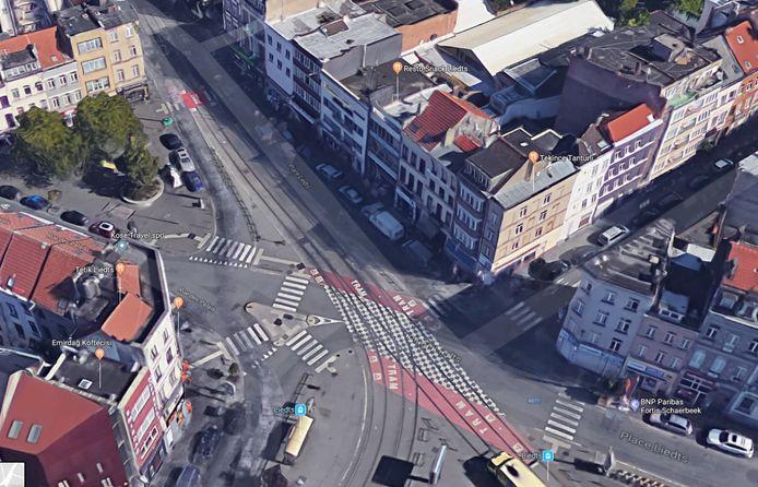 De man werd aangereden in de Paleisstraat in Schaarbeek na een caféruzie  aan het aangrenzende Liedtsplein.
