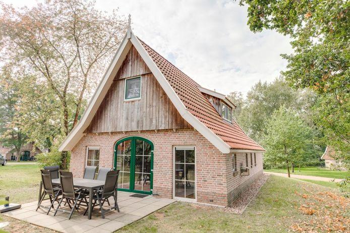 Het vakantiehuis op Landal De Hellendoornse Berg in Haarle. Het is de hoofdprijs van de jubileumloterij van Tweede Divisie-voetbalclub Quick Boys uit Katwijk.