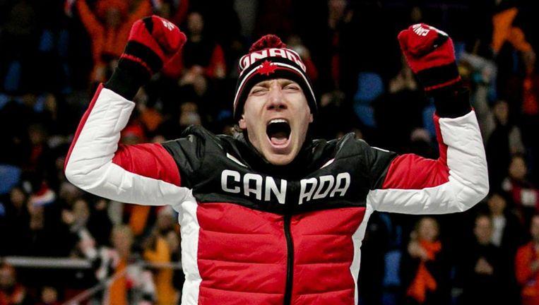 Ted-Jan Bloemen in de Gangneung Oval na het winnen van de 10.000 meter op de Olympische Winterspelen van Pyeongchang. Beeld anp