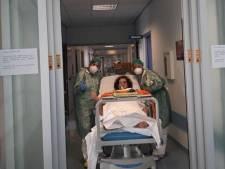 Enfin des larmes de joie dans un hôpital italien: pour la première fois, une patiente s'est réveillée