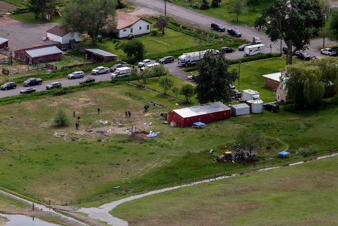 De lichamen van beide kinderen werden gevonden op een stuk grond in Salem, Idaho.