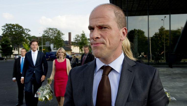 Diederik Samsom (PvdA) en Mark Rutte (VVD) na afloop van het NOS Radio 1 Lijsttrekkersdebat. Beeld anp