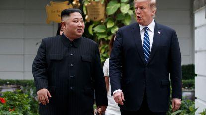 """VS kondigen sancties af tegen Noord-Korea na mislukte top, maar Trump annuleert ze prompt omdat hij Kim """"leuk"""" vindt"""