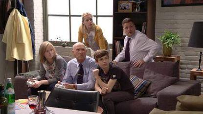 Seizoensfinale 'Thuis' haalt het ruim van 'Familie' met dubbel aantal kijkers