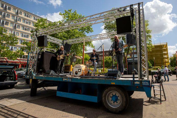 Afgelopen zaterdag was de eerste editie van het KARRENtenne Theater in Schiedam, een initiatief van Theater aan de Schie.