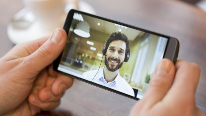 Met dit enge trucje zorgt FaceTime ervoor dat je binnenkort altijd in de camera kijkt