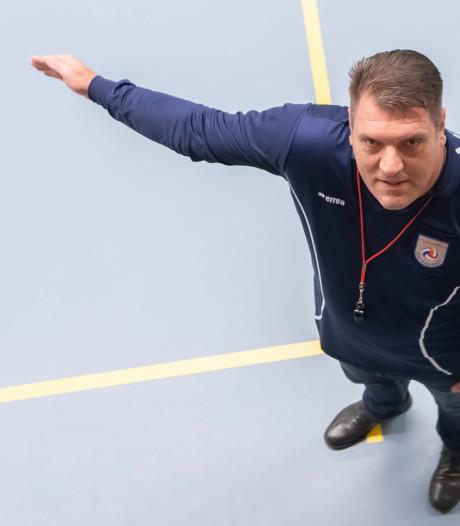 Volleybalarbiter Pieter van 't Hof: Je moet niet te veel opvallen