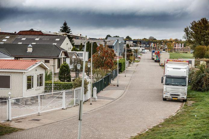 Sfeerfoto woonwagenkamp in Bergen op Zoom ter illustratie.
