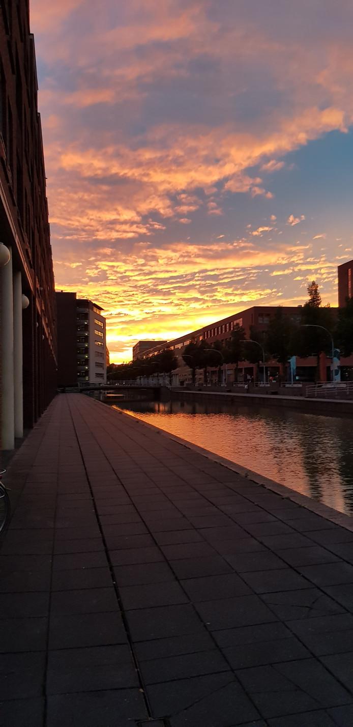 Zonsondergang boven Hanzeland in Zwolle
