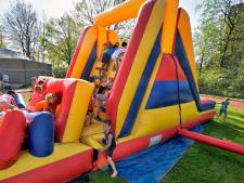 Buitenspelletjes tijdens Koningsspelen in Oosterhout