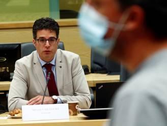 """Steven Van Gucht: """"Aantal besmettingen daalt steeds trager, vooral in Vlaanderen. Maar nog geen sprake van een stabilisatie"""""""