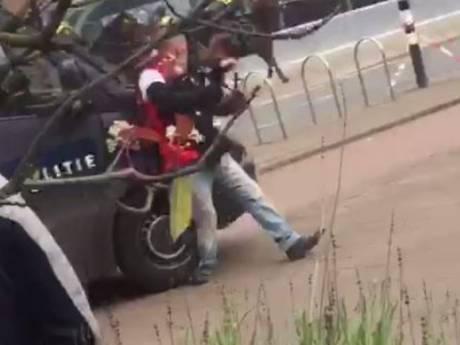 Officier eist 60 uur taakstraf  tegen ME'er die Feyenoordfan aanreed