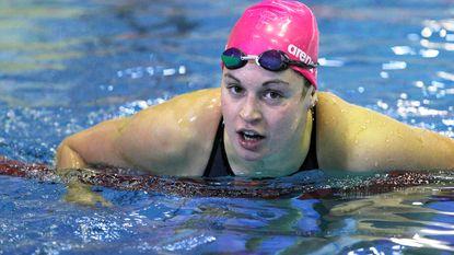 Lecluyse met Belgisch record naar halve finales 50m school