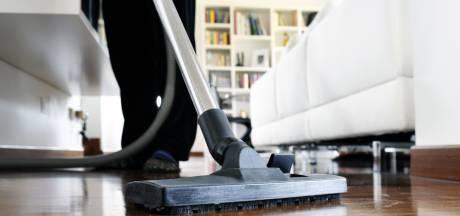 Vaak genoeg en slim schoonmaken? 'Doe de wc-klep dicht als je doorspoelt'
