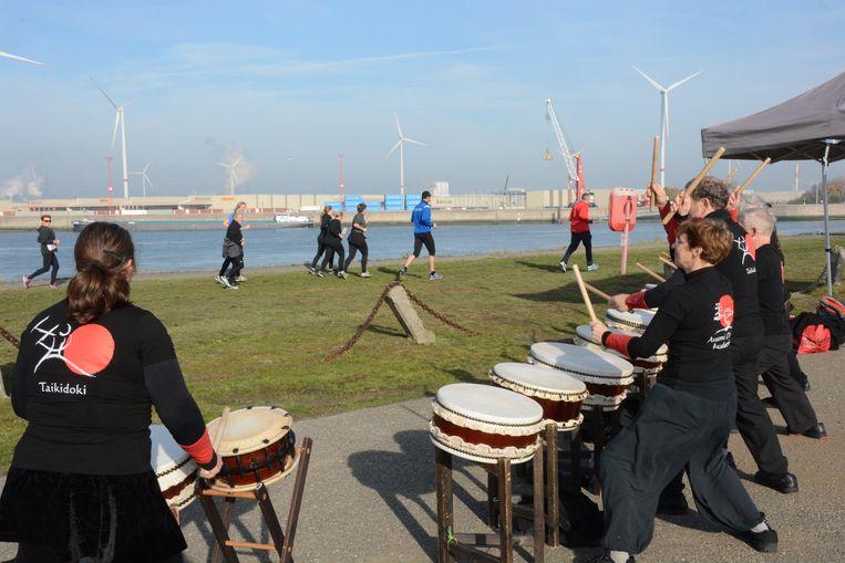 De trommelaars van Taikidoki zorgden voor een opzwepend ritme.