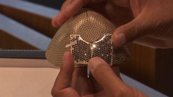 Juwelier maakt 'duurste mondmasker ter wereld'
