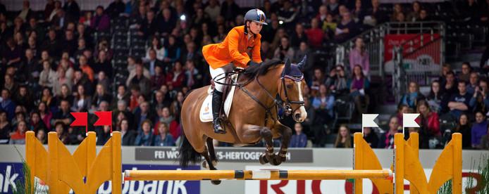 Jody van Gerwen met haar paard Waldemar