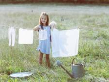 Schoonmaken voor en mét kinderen: 'Stop knuffels niet in de was'