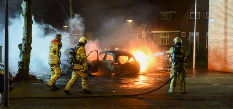 Niet 1, niet 2, maar wel 3 auto's in vlammen op in Utrecht