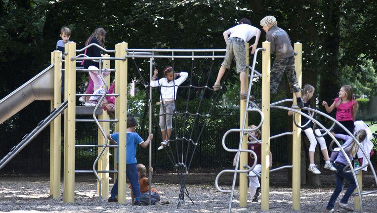 Speeltoestel bij een school in Haarlem. Beeld anp