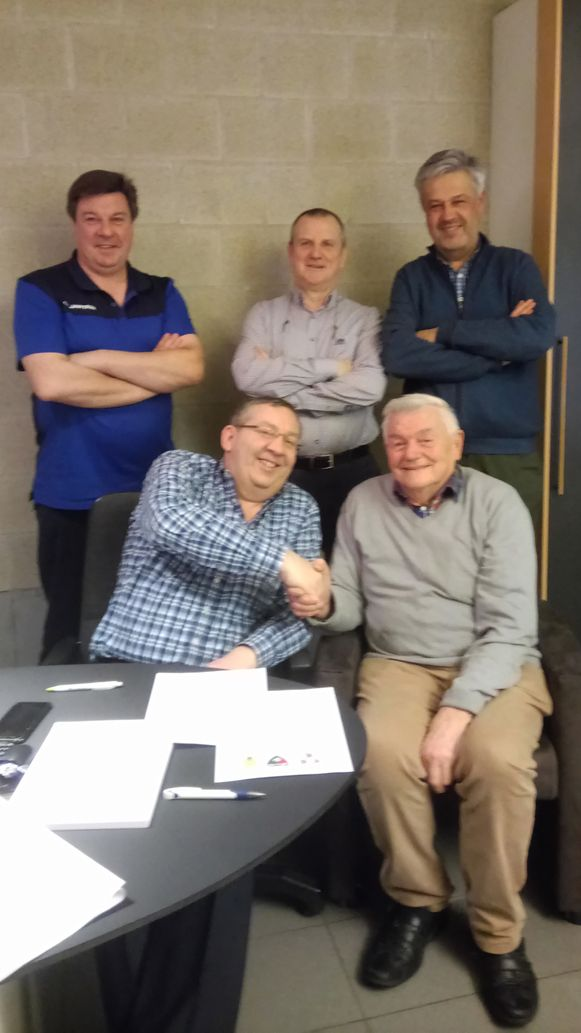 Voetbalclubs K.R.C. Haaltert en F.C. Kerksken tekenen een intentieverklaring voor de oprichting van de fusieclub K.V.C. Haaltert-Kerksken.