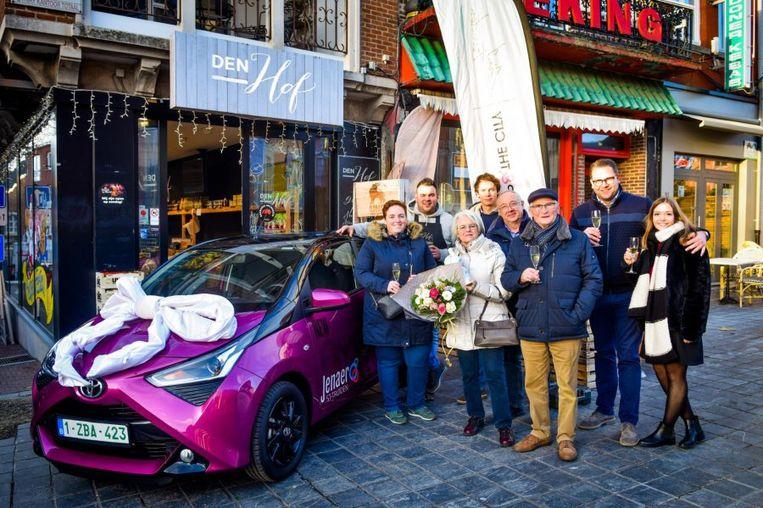 Maria Moermans was de gelukkige winnares van deze 39e Shop & The City-wagen.
