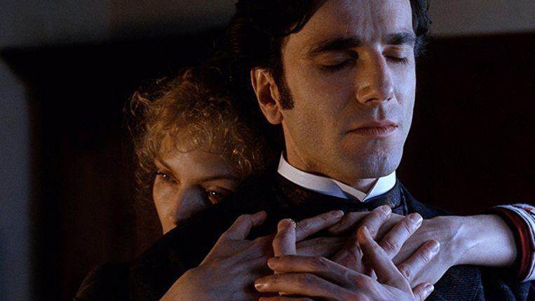 Michelle Pfeiffer en Daniel Day-Lewis in The Age of Innocence van Martin Scorsese. Beeld x