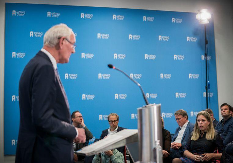 Carola Schouten tijdens een toespraak van oud-minister en commissievoorzitter Johan Remkes tijdens de presentatie van het rapport over de stikstofproblematiek in Nederland.  Beeld Freek van den Bergh / de Volkskrant