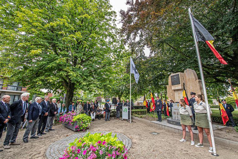 De herdenkingsplechtigheid voor Koning Boudewijn vond plaats aan het monument op het Koningin Astridplein.