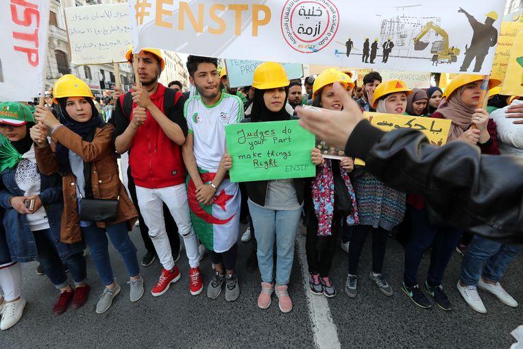 Protest in Algiers.  Beeld EPA