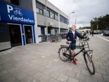 Flink dokken voor in stalling station Driebergen opgesloten fiets