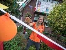 Warm onthaal 'Gouden Leeuwin' Anouk Dekker in Wierden