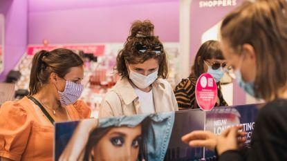 """Limburgers dragen braafjes mondmasker, overal waar dat verplicht is: """"Extra agenten, maar niet één pv"""""""