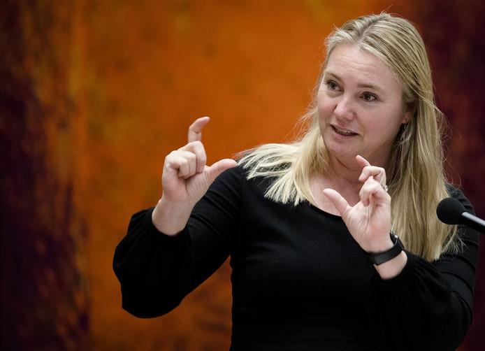 Minister Melanie Schultz