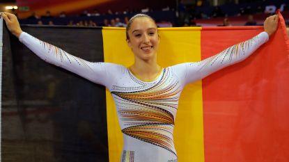 """Wereldkampioene na fenomenale oefening! Nina Derwael schrijft Belgische turngeschiedenis met goud aan brug met ongelijke leggers: """"Ik zit op een roze wolk"""""""