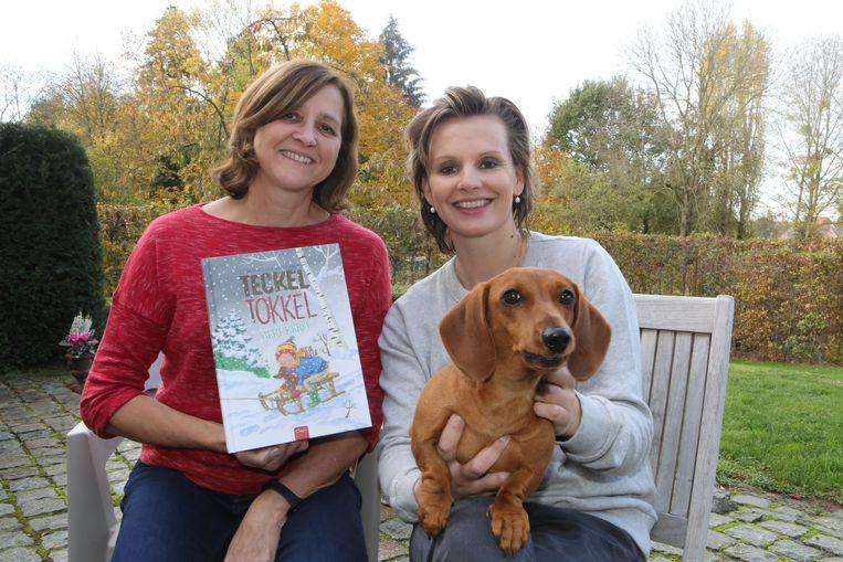 Ilustrator Ina Hallemans en schrijfster Ilse De Keyzer met Muyshond.