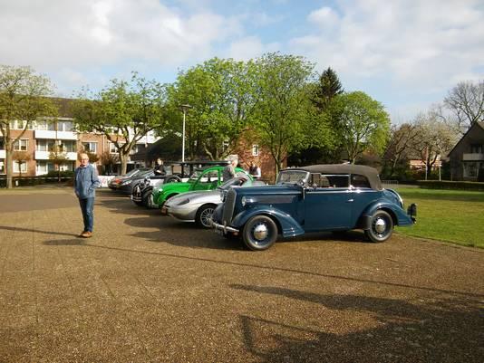 Fraaie auto's in Boxmeer tijdens de Oost Brabant Rit van Auto Club Boxmeer.