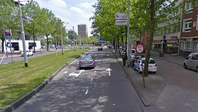 De Schiekade in Rotterdam, richting centrum.