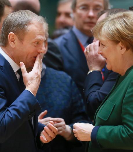 Merkel betreurt brexit en prijst EU