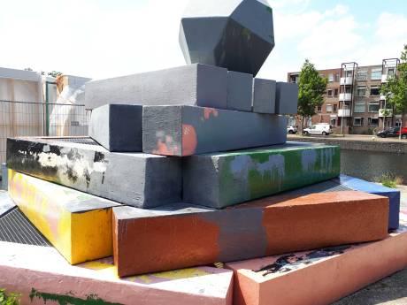 Prijskaartje van meer dan tienduizend euro voor herstellen geverfd Apeldoorns kunstwerk