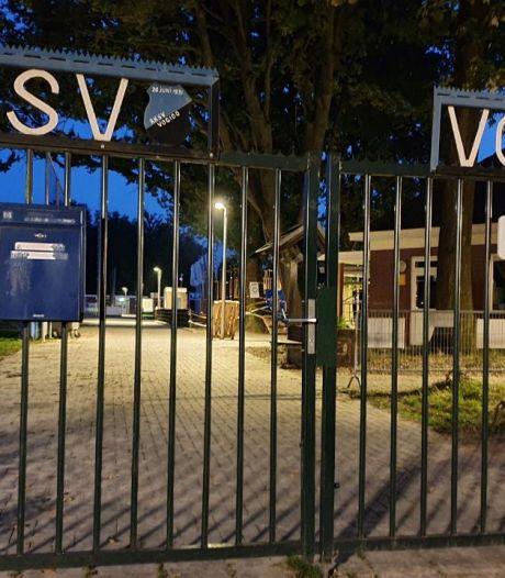 Enschedese voetbalclub volledig op slot, ook voor de jeugd: 'Samen bijdragen aan verbetering'