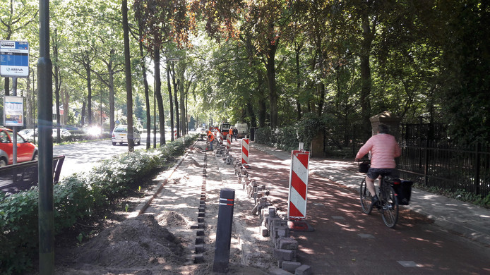Werkzaamheden aan de Tilburgseweg in juni.