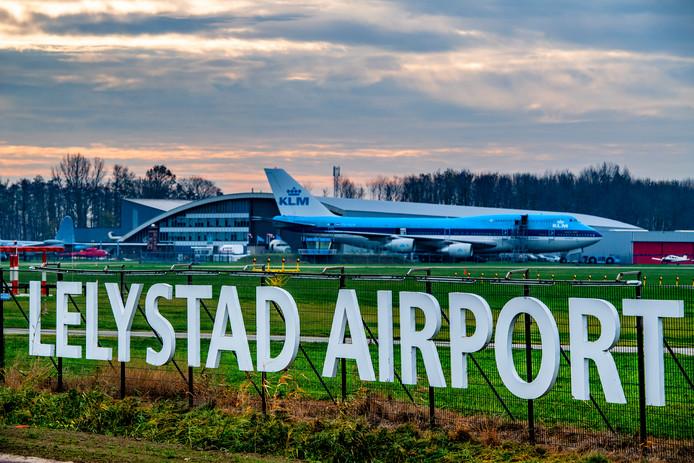Vandaag debatteert de Tweede Kamer over Lelystad Airport.