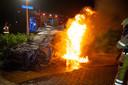 De op 8 november uitgebrande BMW aan de Cleyndertstraat.