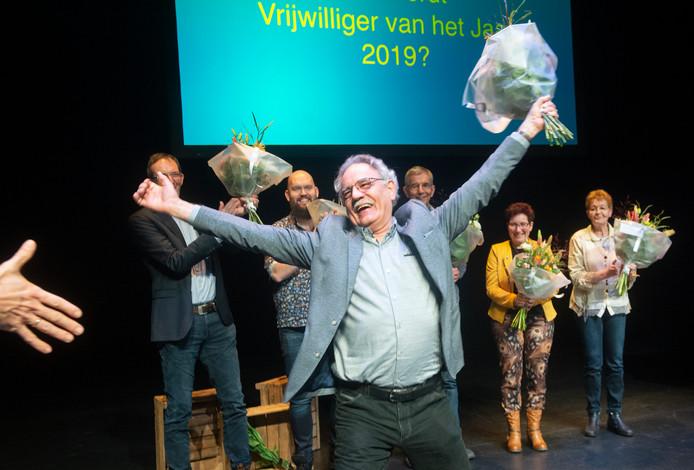 Huub Wattenberg is vrijwilliger van het jaar. Huldiging in theater de Lievekamp te Oss. Fotograaf: Van Assendelft/Jeroen Appels