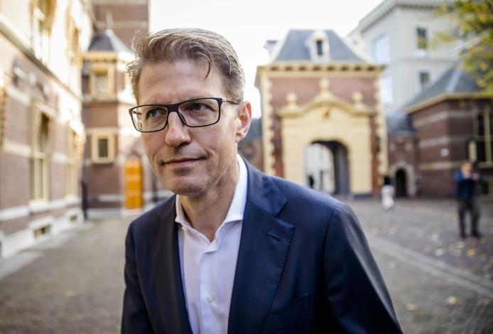 Minister Sander Dekker voor Rechtsbescherming (VVD) op het Binnenhof.