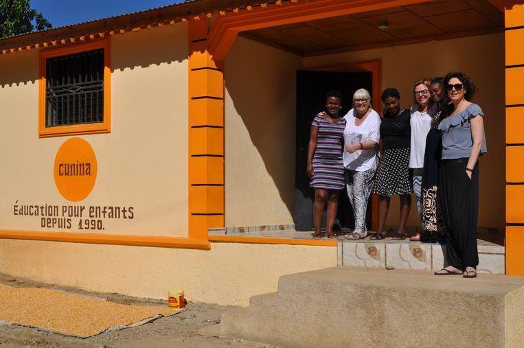 Sophie Vangheel, Kathleen Op de Beeck en Inge Bollen van Cunina zitten momenteel vast in Haïti.