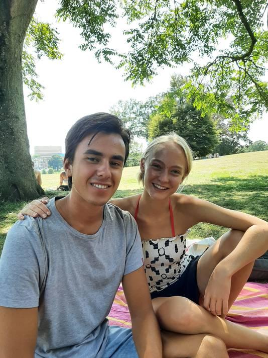 Niek (20) en Julia (23) begrijpen dat Mark Rutte vooral jongeren op het hart drukte om zich aan de coronaregels te houden